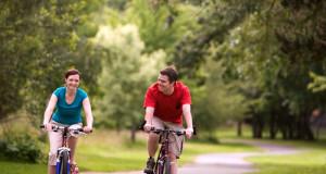 cycling_couple_1